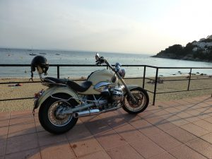 jamesbondmopped-BMWR1200C