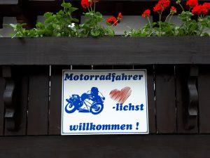 Motorradfahrer herzlichst willkommen